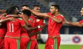 الجمعة.. الإمارات بالأبيض أمام عمان صاحب الزي الأحمر
