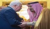 خادم الحرمين يجري اتصالًا هاتفيًا بالرئيس الفلسطيني لتأكيد مواقف المملكة الثابتة