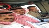 سفير المملكة في اليمن يخوض جولة جوية فوق عدن مع أبطال التحالف