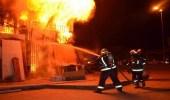 السيطرة على حريق بمستودعات للدهانات وأدوات كهربائية بعفيف