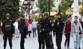 الشرطة التونسية تفرق محتجين حاولوا اقتحام مركز تجاري