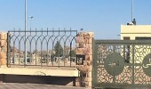 بالصور.. عمالة وافدة تحول مصلى العيد بالطائف إلى ملعب كرة