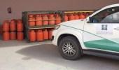 """بالصور.. """" التجارة """" تنفذ جولات رقابية على محطات الوقود بالقريات"""