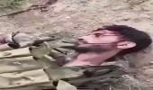 بالفيديو.. جثث الحوثيين ملقاة على طول الشريط الحدودي في اليمن