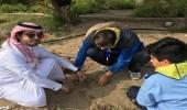 بالصور.. 35 طالبا بمدرسة المنارات يشاركون بأعمال الزراعة في الخبر