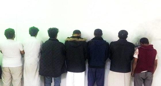شرطة الرياض تطيح بـ٧ وافدين كونوا تشكيلا عصابيا لنشل المارة والمصلين