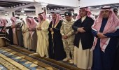 وزير الحرس الوطني يؤدي صلاة الميت على اللواء الحريشي