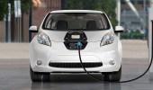 """بالصور.. """" نيسان """" توقع اتفاقية المشروع التجريبي لـ """" السيارات الكهربائية """" بالمملكة"""