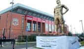 تمثال يثير الشكوك قبل مباراة ليفربول ومانشستر سيتي