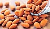 الجوز واللوز يقللان الكوليسترول في الدم