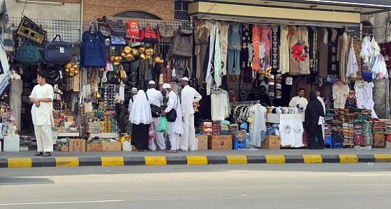 في اليوم الأول من تطبيق الضريبة.. الجشع يسيطر على السوق والتجار يتلاعبون بالأسعار