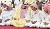 بالصور.. أمير جازان بالنيابة يحضر صلاة الميت على روح الشهيد دكام
