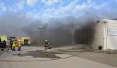 بالصور.. إخماد حريق في محطة كهرباء بجدة