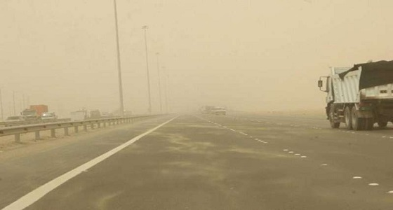 ابتداء من الجمعة.. توقعات بتقلبات جوية وثلوج على مختلف مناطق المملكة
