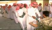 صور نادرة لـ شباب سعودي يسارع للتطوع خلال حرب كويت.. مصير واحد