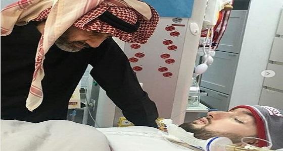 زيارة الأمير الوليد بن طلال لأبن شقيقه في المستشفى