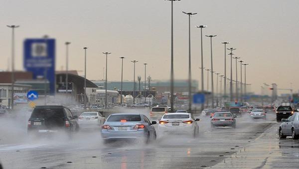 """باحث في الأرصاد: أمطار غزيرة وعواصف وثلوج تتجه من """"شرق المتوسط"""" إلى المملكة"""
