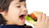الوجبات السريعة تتسبب في إصابة الأطفال بأمراض القلب والسكري