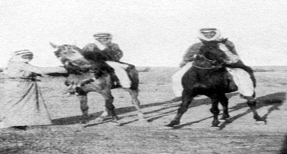 صورة نادرة للملك سعود والأمير فهد الأول عام 1918