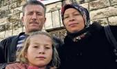 بالفيديو.. عائلة عهد التميمي تحتفل بعيد ميلاد 17