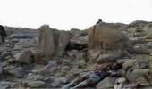 يمنيون يمتنعون عن الصلاة على قيادي حوثي قتل بغارة لطيران التحالف