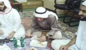 في أول صورة له.. وريث زعيم تنظيم القاعدة قبل خروجه من إيران