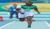 العداء عبدالله أبكر يتأهل إلى بطولة عالم الصالات المغلقة