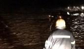 مدني رجال ألمع ينقذ 3 مواطنين احتجزوا في مياه السيول بوادي ريم