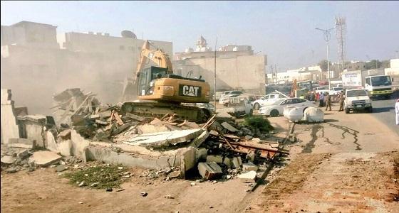 بالصور.. أمانة جازان ترفع 23 ألف طن من المخلفات الصلبة والبناء