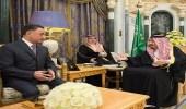 خادم الحرمين يتسلم رسالة من رئيس أذربيجان