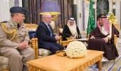 خادم الحرمين يستقبل وزير الدولة لشؤون الشرق الأوسط ورئيس الأركان البريطانيين