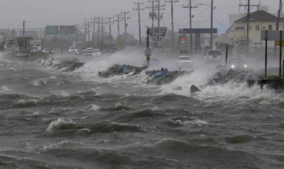 """الإعصار """" جيتا """" يضرب جزر فيجي الجنوبية وانقطاع الاتصالات"""