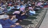 المعلمين والطلاب يؤدون صلاة الاستسقاء بمدارس المملكة