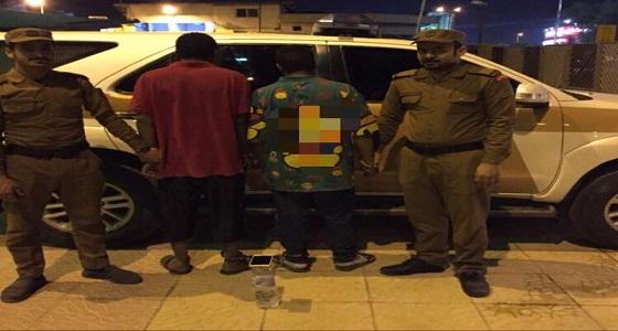 """"""" شرطة الرياض """" تكشف غموض قضية نشل وتلقي القبض على المتورطين"""