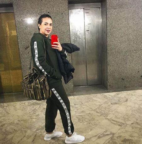 إيمي سمير غانم في إطلالة رياضية أنيقة