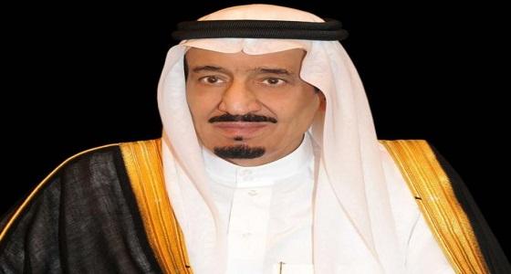 """خادم الحرمین یمنح """" وسام الملك عبدالعزیز """" لمواطنة تبرعت بجزء من كبدها لزوجها"""