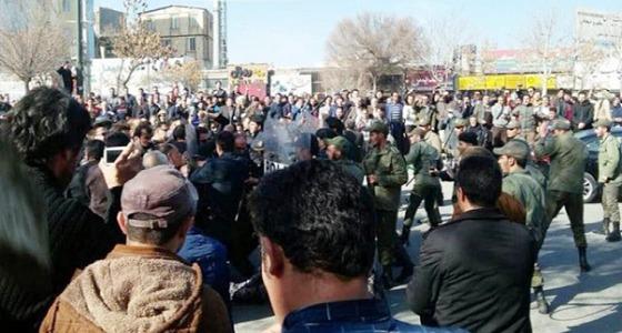 """فضيحة النائب العام لـ """" طهران """" على يد برلماني في إيران"""