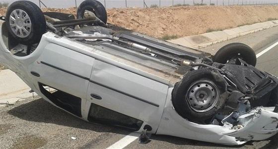 وفاة شخص وإصابة 4 أخرين إثر انقلاب مركبة بالمدينة