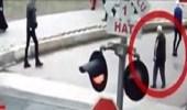بالفيديو.. شاب ينقذ مسنا قبل لحظات من اصطدام قطار به