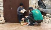 مركز الملك سلمان يقدم حملة مساعدات غذائية للنازحين من ريفي إدلب وحلب