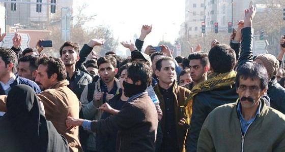 محكمة إيرانية: السجن 5 سنوات لطفل شارك في الاحتجاجات