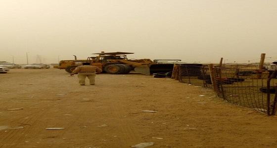 بالصور.. إزالة 107 حظيرة مواشي و89 مخيما بحي البيان