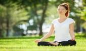 ممارسة 10 دقائق يوجا يوميا لشحن طاقة الجسم