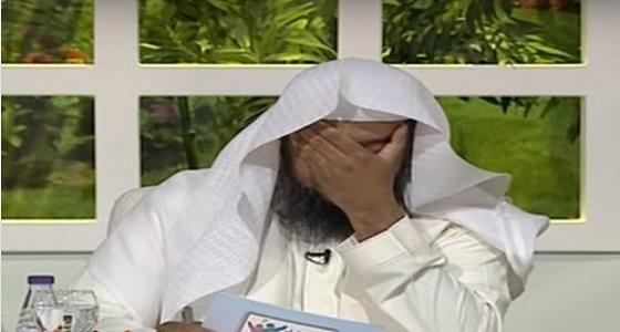بالفيديو.. مواطن يتسبب في بكاء مذيع على الهواء بسبب زوجته