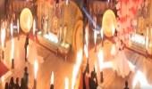 بالفيديو.. شاب يشعل حفل زفافه بمفاجأته لعروسه