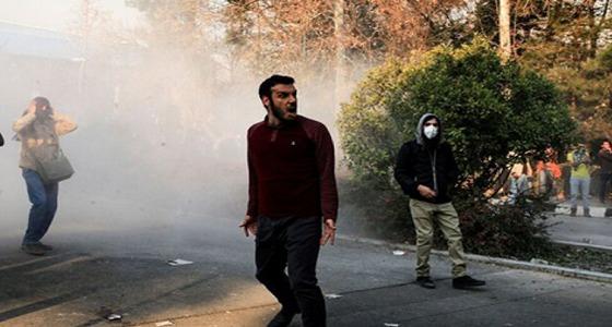 """"""" إيران """" تواصل رفضها لنظام """" روحاني """" بعدة مدن"""