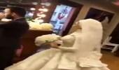 بالفيديو.. رد فعل عريس رأى عروسه بالفستان الأبيض