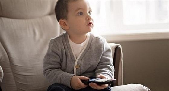 دراسة: مشاهدة التلفزيون تزيد وزن الطفل