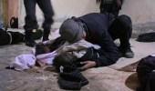جحيم على الأرض.. عناق أب لجثة طفله وصراخه يهزون أرجاء الغوطة الشرقية