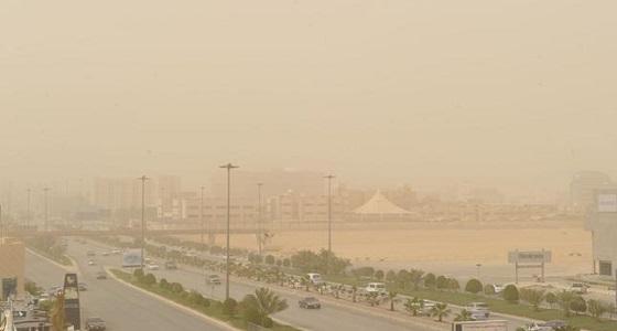 """"""" مدني الرياض """" يحذر أصحاب الأمراض التنفسية من موجة الغبار"""